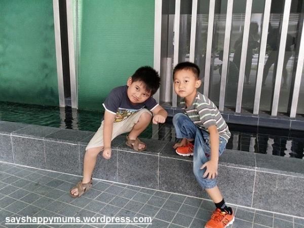 """10 October 2014 : 人家说,""""他们是 Ah Beng 和 Ah Seng 的儿子。"""""""