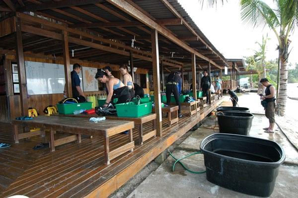The Dive Centre (Source)