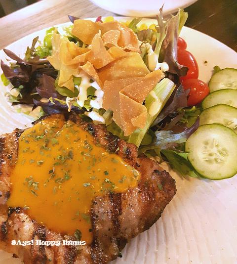 Omnivore Chicken Thigh with Herbibowl Half Salad