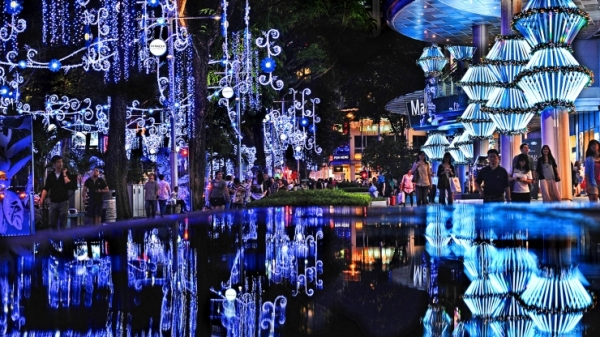 Christmas Orchard Road