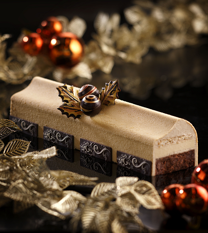 Mandarin Orchard Singapore - Valrhona Delicious Dulcey Yule Log