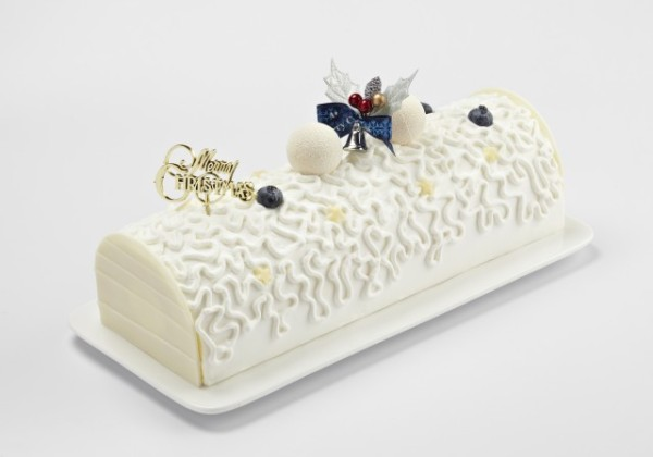 Enchanted Snow Cheese Log Cake