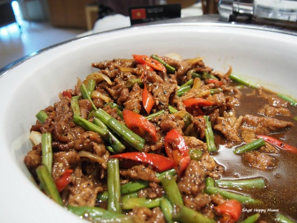 Vietnamese Fried Sliced Beef and French Bean